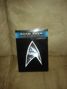 STAR TREK (NEW) THE NEXT GENERATION COLLECTION