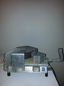 Commercial slicer Tomatoes, Onions