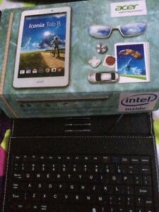 Acer iconia 8 tablet with Bluetooth keyboard case