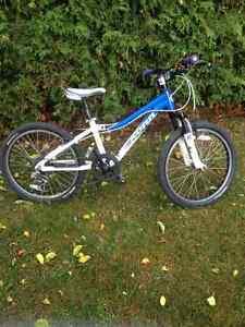 Vélo Kona 20 pouces de roue
