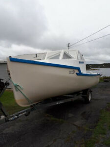 18 Ft. Baby Cape Boat/New Motor (No Trailer)