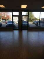 ****LARGE LOCAL TO RENT with 7 offices **** R.D.P ****
