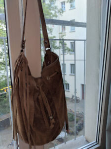 Suede boho bag with fringes from DDP