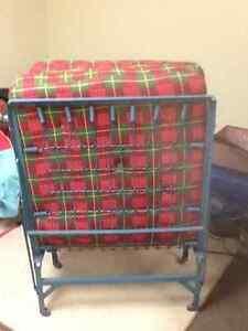 Comfy fold up cot