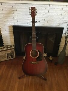 Like New Acoustic Guitar