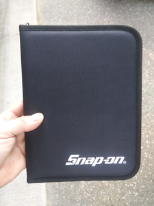 Snap-on binder.