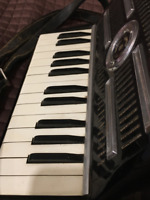 VINTAGE FRONTALINI HAND  MADE IN ITALY  ACCORDIAN   ONLY $75