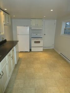 58 Spencer St - 3 Bedroom Home Available Now