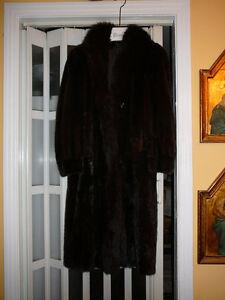 manteau 3/4 femme, vison brun et renard noir, 8-10 ans, mi-long