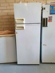 kelvinator, 300litre fridge freezer