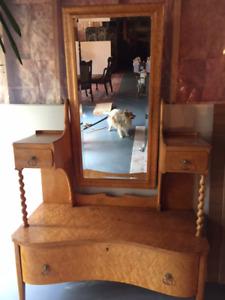 Antique dresser !