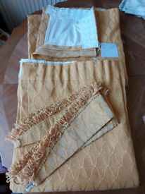 Curtains gold 62 x 70 inch with tiebacks