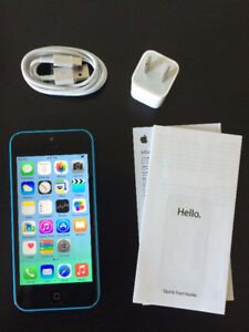 Blue IPhone 5c 32GB. Perfect Condition.10/10 FACTORY UNLOCKED