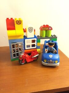 Cops & Robbers & bank blocks for kids