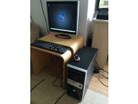 """PC Specialist Desktop AMD FX 4100 quad core 3.6 GHz, 4GB RAM, 500 GB HD, USB 3.0 + Monitor 19"""" LCD"""