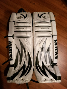 "Vaughn goalie pads 36+1"" practically new"
