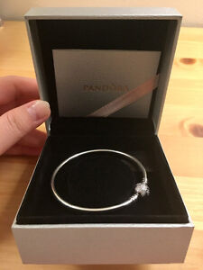 Pandora Bangle Unique as you are Snowflake Limited Edition