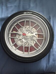 Tire clock 15$ Kawartha Lakes Peterborough Area image 1