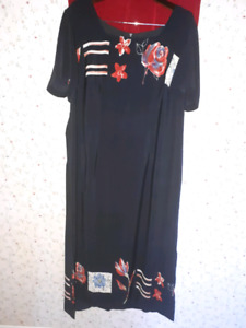 Size 18 Gorgeous Black dress with large red flowers