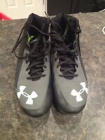 Underarmour football cleats, size 9