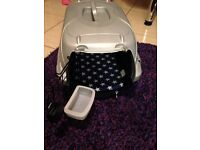 Cat pet carrier with pad and food dish. Fantastic condition