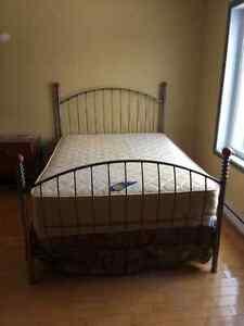 Set de chambre lit double 3 commodes