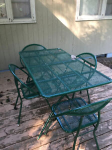 Metal patio table & four chairs