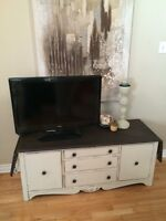 Solid Wood Drop Leaf Console/ TV Stand/ Hallway Bench