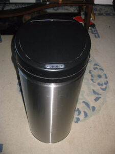 Electric Garbage can