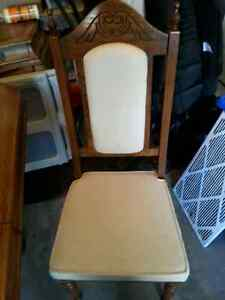 Dining table with leaf,  6 chairs,  and buffet $50 Kitchener / Waterloo Kitchener Area image 3