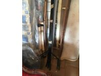 Black solid sturdy clothes rail