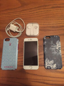 Apple iPhone 6 16 GB - White - with Rogers - $280 OBO