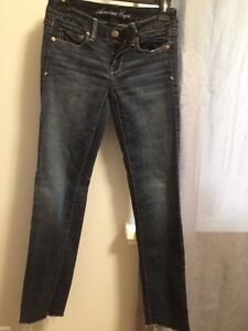 American Eagle Skinny Stretch  Jeans ~ Like New