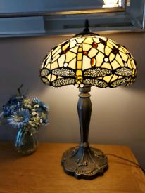 💕 Beautiful large tiffany style dragonfly lamp