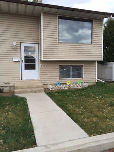 REDUCED 2 bedroom 2 bath Townhouse in Adult complex