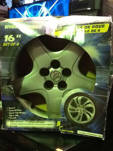 "BRAND NEW! Wheel Cover Hubcap 16"" $5"