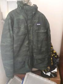 Patagonia isthmus medium hooded winter parka jacket