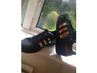 Adidas Superstars Black & metallic - size 5