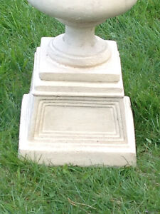 RESIN STONE-LOOK URNS/PLANTERS (SET)(TAUPE)(LIKE NEW)(Paid $400) London Ontario image 4