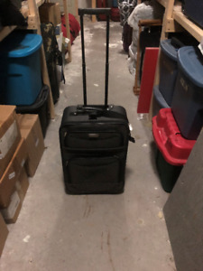 voyager carry on rollaway luggage