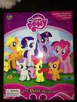 My Little Pony Book with Figurines and playmat