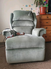 Willowbrook rise and recline chair with light and massage, can be deli