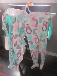new with tags carters 2 pack sleepers girls 12 month