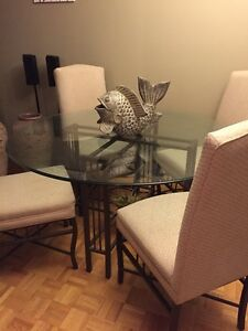 Perfect 53 inch round glass dining table / 4 highback chairs