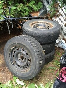 Rims Dodge 17 pouces 5x139.7 plus pneus