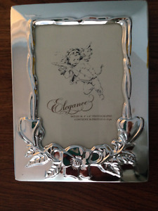 "SILVER PLATED 4.5"" X 6"" PHOTO FRAME & PHOTO ALBUM"