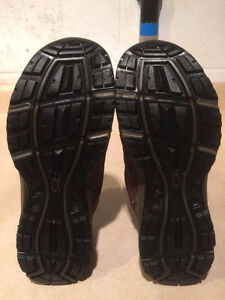 Women's WindRiver Hiking Shoes Size 8 London Ontario image 3