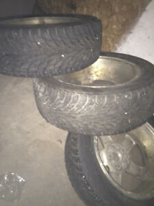 Barely used set of 4 nokian winter tires
