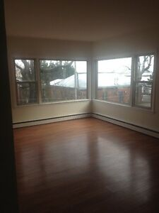 Very Large 3 Bedroom,Den+Office with small Deck