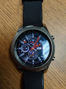 Samsung gear S3 classic smartwatch with HR monitor